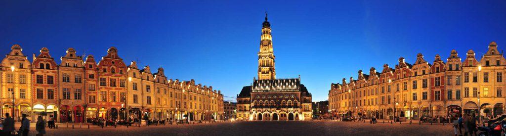 Les places d'Arras - Tourisme au gite du petit Colombier à Arras